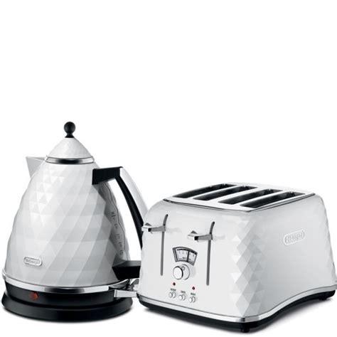 toaster and kettle set delonghi de longhi brilliante 4 slice toaster and kettle bundle