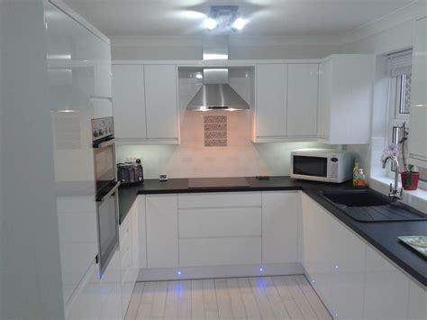 white gloss kitchen ideas wren kitchens handleless white gloss what do you think