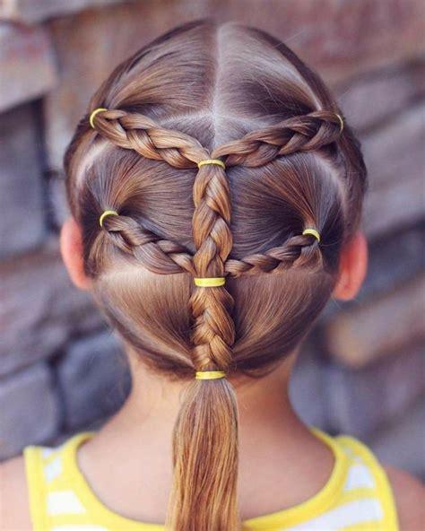coiffure pour petite fille queue de cheval tressee