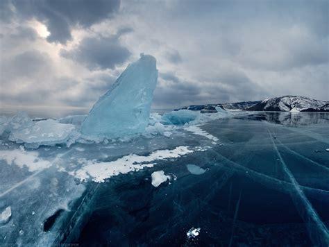 lake baikal  ice    ice skate slavorum