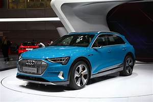 Audi E Tron : audi e tron 55 quattro videos galore from paris motor show ~ Melissatoandfro.com Idées de Décoration
