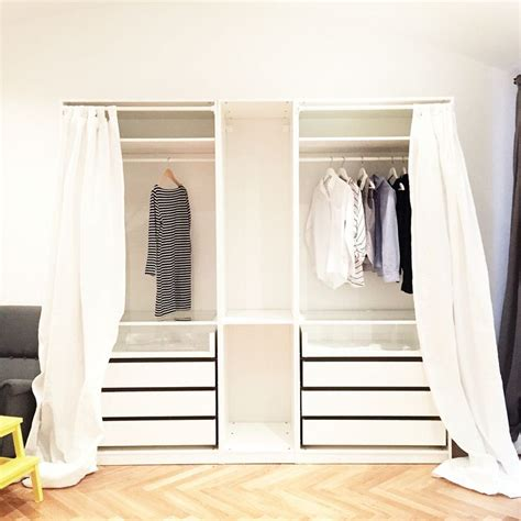 Ikea Schraenke Schlafzimmer by Empty Ikea Pax Open Closet Organisation Closet