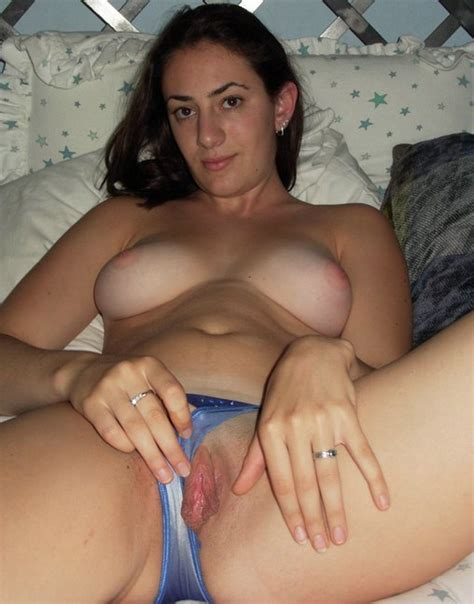 amateur home photos of wives and moms tits and ass