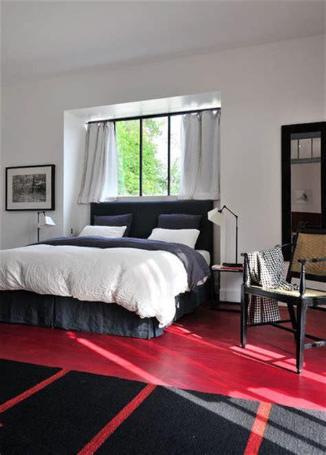 installer une dans une chambre comment placer le lit dans une chambre côté maison