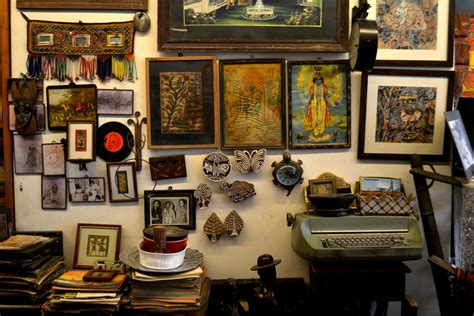 places  delhi   antique shopping  delhi