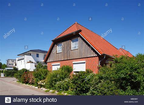 single family homes stock  single family homes