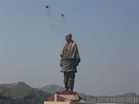 india unveils worlds tallest statue  monument