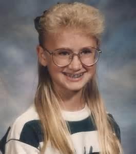 coupe de cheveux frisã s découvrez les plus folles coupes de cheveux des enfants des ées 80