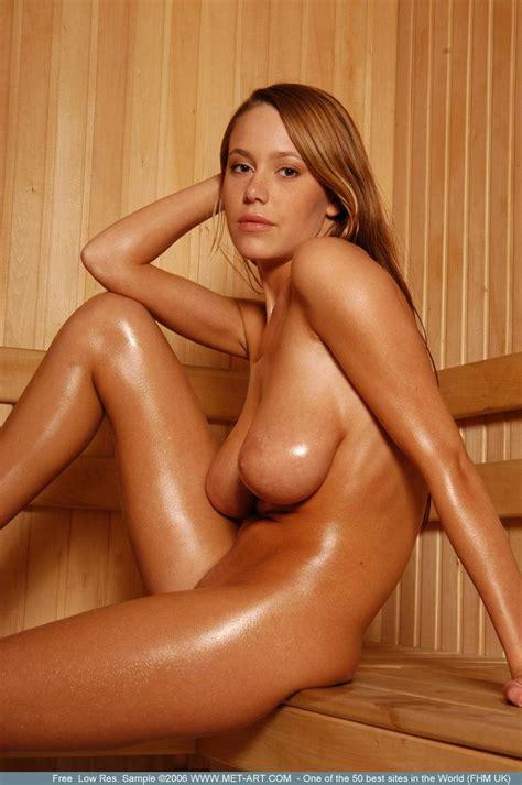 karina nude in sauna redbust