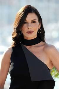 "Catherine Zeta-Jones - ""Cocaine Godmother"" Photocall in ..."