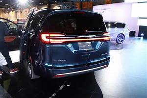 2021 Chrysler Pacifica Arrives Ready For Winter
