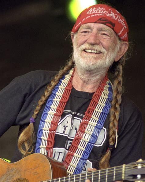 Willie Nelson   Villages-News.com