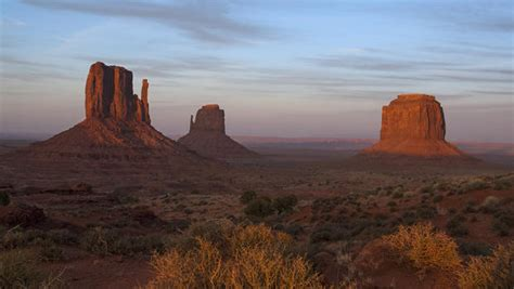 Nature up close: Monument Valley - CBS News