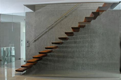 escalier a 233 rien autoportant garde corps verre toute