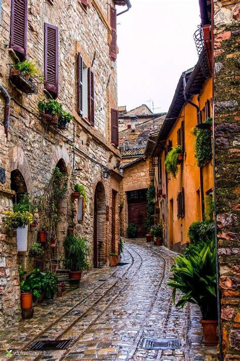 Welcome to the official instagram account for tourism in italy. Spello, Umbria, Italia | Amazing Places