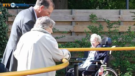 alzhaimer tuin speciale tuin voor alzheimer pati 235 nten in haren youtube