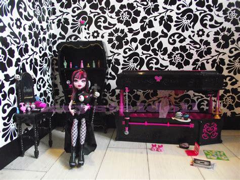chambre high les poupées de le décor de draculaura la chambre