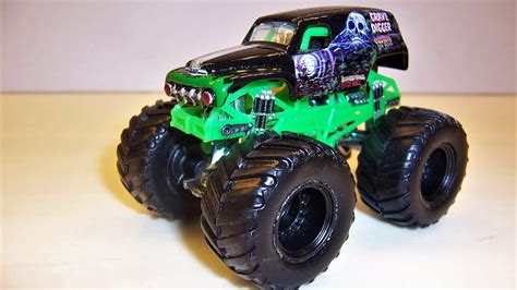 old grave digger monster truck monster jam custom monster truck 1 64 grave digger old