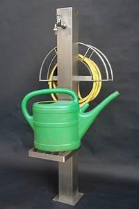 Wasserhahn Für Garten : wasserstation f r den garten mit gartenschlauch und gie kannenhalter praktischer helfer f r ~ Watch28wear.com Haus und Dekorationen