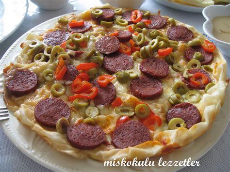 Milf Pizza Busty Naked Milf