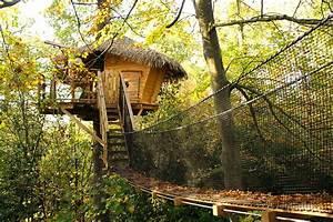 Cabane Dans Les Arbres Construction : sur un arbre perch cabane dans les arbres au ch teau des enigmes ~ Mglfilm.com Idées de Décoration