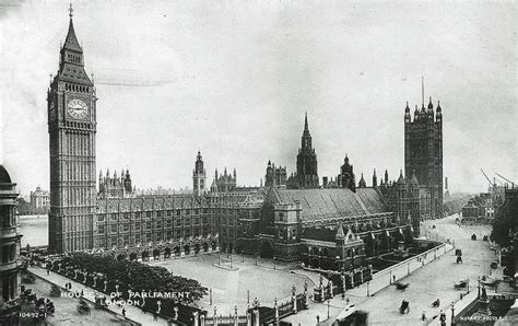 palace  westminster     atmosphere