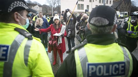 Covid in Scotland: Four arrests at anti-lockdown ...
