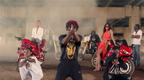 bad and boujee migos et lil uzi vert font équipe dans 39 39 bad and boujee 39 39