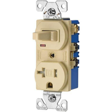 Eaton Amp Volt Wire Combination Receptacle