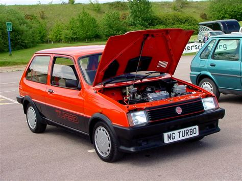 File:296 - 1983-1985 red MG Metro Turbo, front.jpg ...