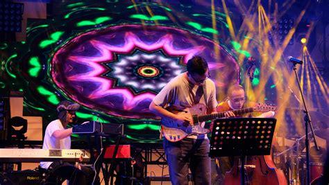The adams merupakan grup musik indie rock yang memiliki warna musik power pop.grup musik ini dibentuk pada tahun 2001 dengan nama lonely band, baru pada tahun 2002 berganti nama menjadi the adams. Inilah Prediksi Belantika Musik Indonesia di Tahun 2019 - MLDSPOT