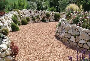 Natursteinmauern Im Garten : natursteinmauer bauen ein sichtschutz wird zum hingucker ~ Markanthonyermac.com Haus und Dekorationen