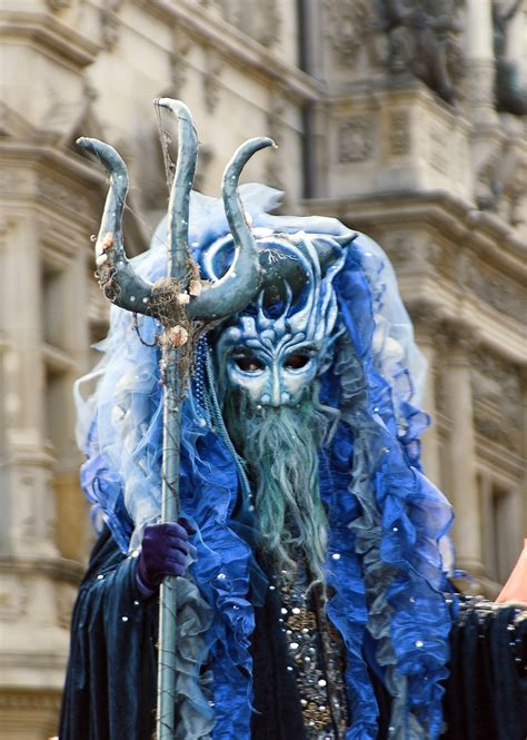 lokales maskenzauber  der alster venezianischer