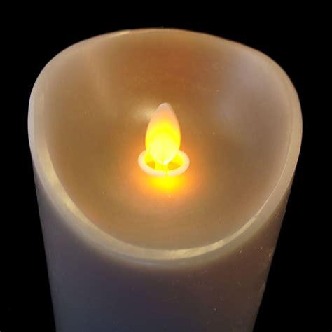 bougie en cire a led avec flamme vacillante bougie led flamme qui bouge 18cm gr 232 ge