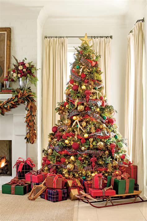 common christmas tree decorations