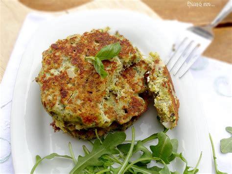 cuisiner brocolis galettes de brocolis à la ricotta au pesto épices