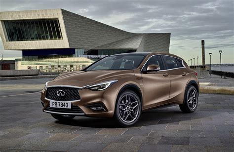 nissan infiniti 2017 2017 infiniti q30 video lust and logic in compact