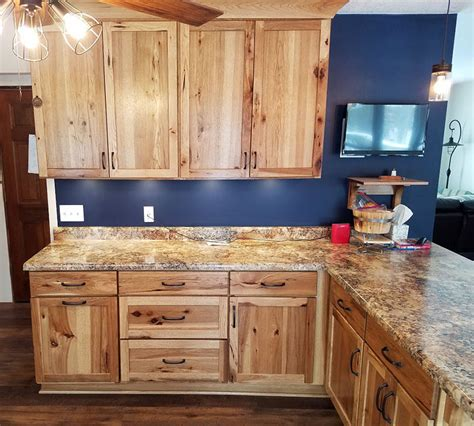 rustic hickory kitchen cabinets shakertown rustic hickory with honey finish randall 4978