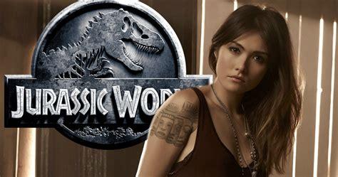 jurassic world little girl actress jurassic world 2 gets daniella pineda as the second female