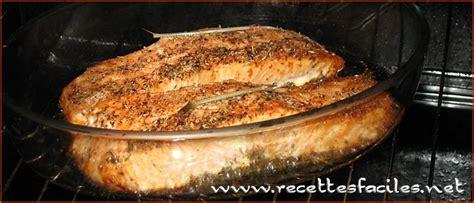 cuisiner saumon entier recettes saumon frais au four