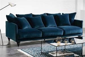 le canape en velours lazare de ampm l39elegance parfaite With tapis de yoga avec coussin moelleux pour canapé