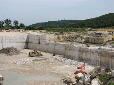 Cemento Stato Sicilia by Rapporto Cave Di Legambiente 13mila Siti Dismessi In