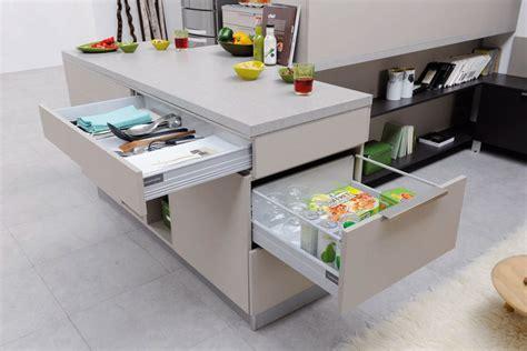 table de cuisine cuisinella des cuisines aux rangements astucieux inspiration cuisine