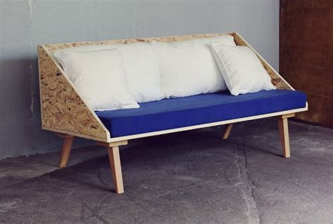 petit canapé triangle plywood sofa do it
