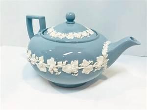 queensware, wedgwood, teapot, , blue, wedgwood, , cream, on, lavender, teapot, , english, teapot, , blue