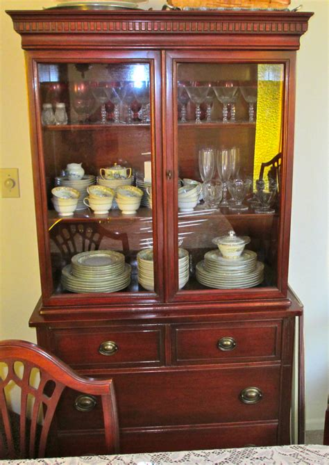Duncan Phyfe China Cabinet Value by Vintage 1940s Duncan Phyfe Mahogany China Cabinet Ebay