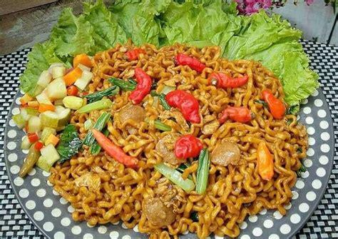 Dengan menggunakan wajan penggorengan yang. Mie tek tek goreng #pr_homadestreetfood | Resep (Dengan gambar) | Resep, Resep masakan, Makanan ...