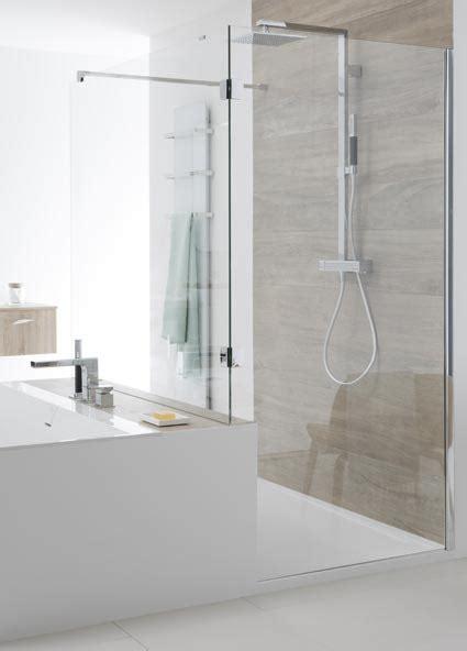 agencer une salle de bains avec une et une baignoire