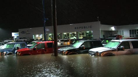 Car Dealerships In Arthur Tx by Epic Ford Dealership Flood