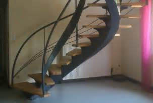 Escalier Discount En Hetre Et Metal by Escalier M 233 Tal Avec Marches En H 234 Tre Massif De